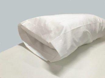 funda de almohada blanca